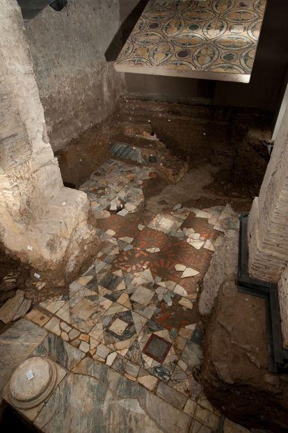 Palazzo Valentini -  Piccole Terme  Pavimento in opus sectile