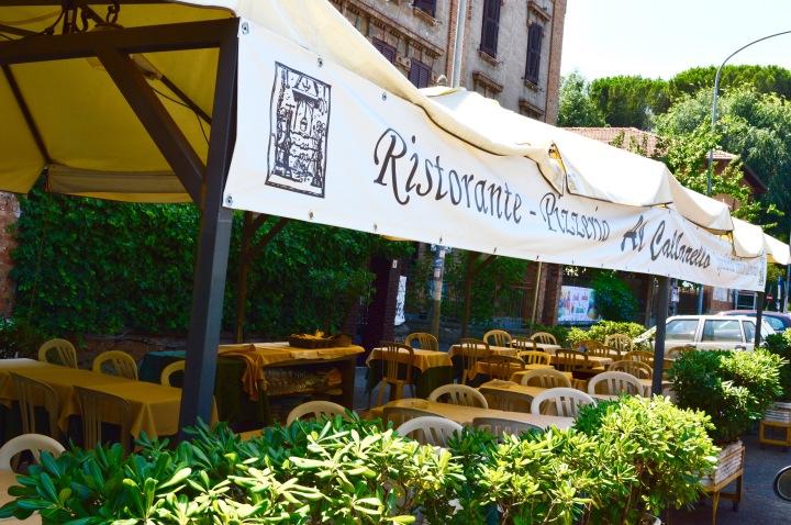 Tipico ristorantino adiacente alla Piazza centrale