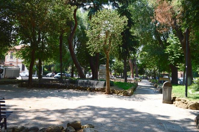 Piazza Bernini luogo di incontro nel rione